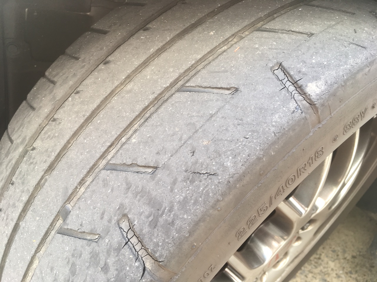 タイヤ 交換 時期